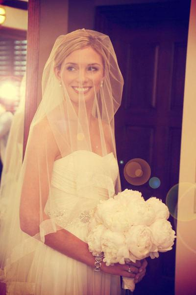 Looks we Love, veil, beauty, bouquet, white