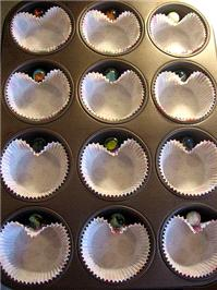 Stationery. Tips for making heart-shaped cupcakes
