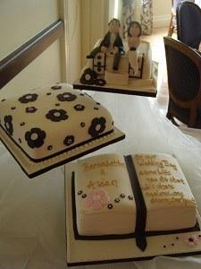 Wedding Cakes, We are based in Ballincollig, Cork and we specialise in hancrafted wedding cakes. Kar