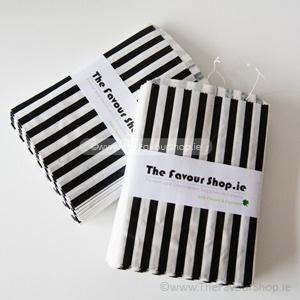 Wedding Accessories, Pack of approx 100 black and white candy striped paper bags measuring 5_ x 7_ (