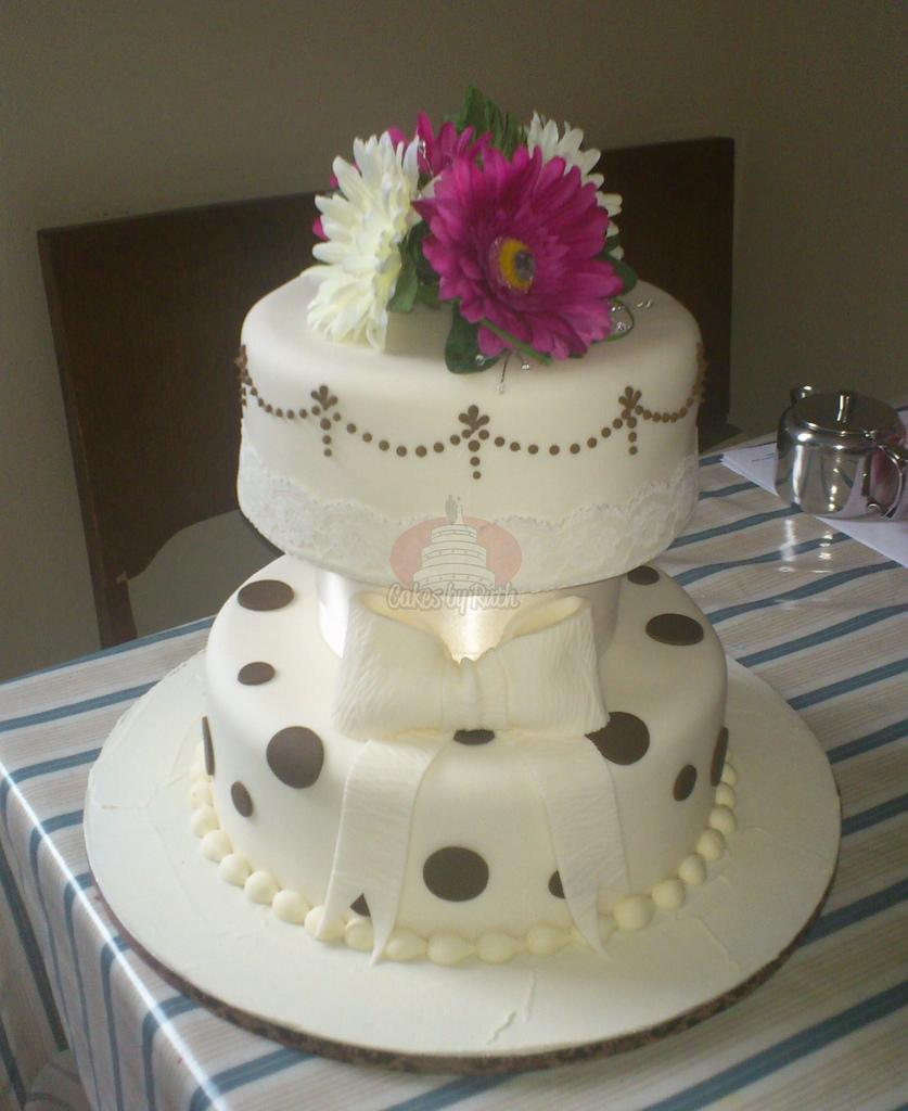 Cakes, 2-Tier Brown and Cream with Bow