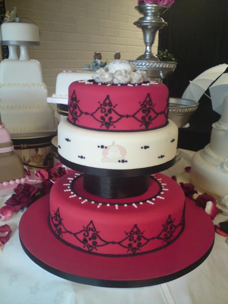 Cakes, Black and Red Damask