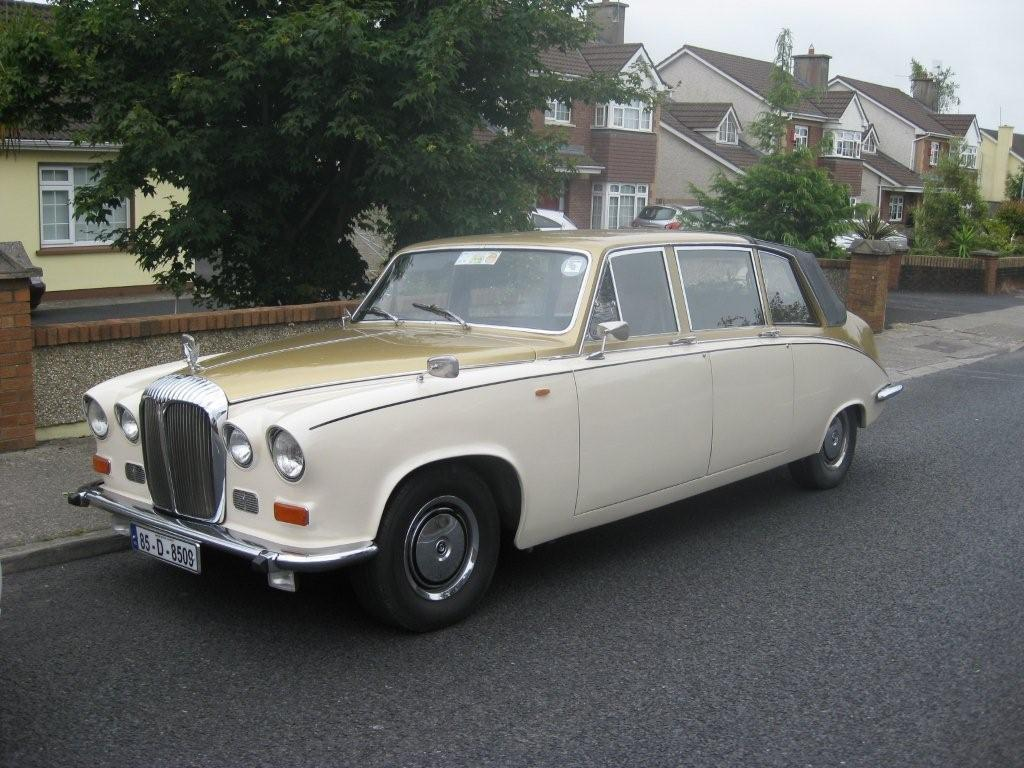 Chauffeurs, Gold / Ivory Daimler Laundalette. Complimentary bottle of champagne with each booking.