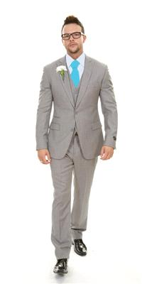 Attire. London Grey Plain Wool (Ref. SD28016BU). Light-grey, slim-fit suit with matching waistcoat.