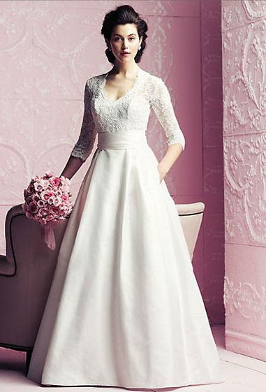 Bridal Dresses, Paloma Blanca wedding dress (ref. 4260).