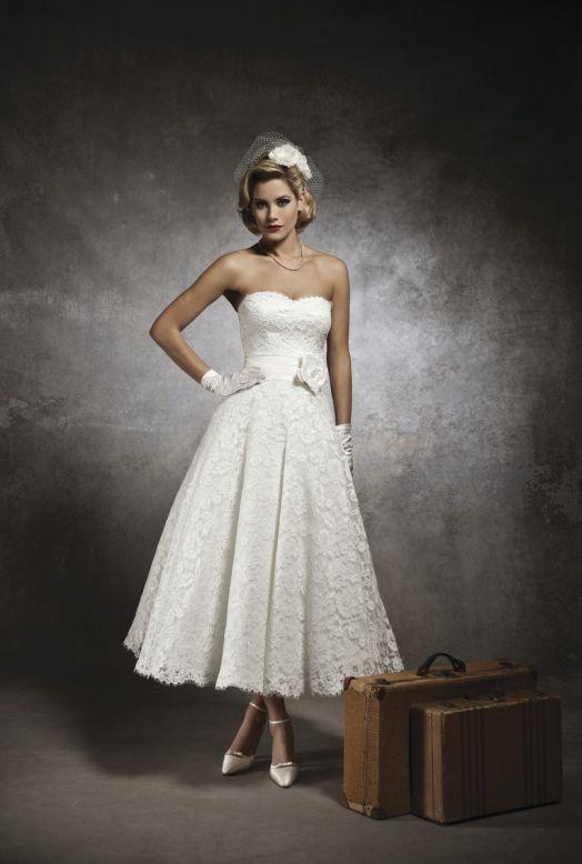 Bridal Dresses, Justin Alexander wedding dress (ref. 8632). Collection inspired by the 1950s and 196