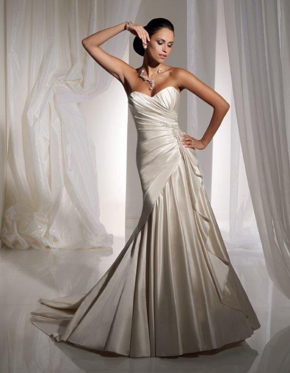 Bridal Dresses, Sophia Tolli wedding dress (ref. Y11102). The Sophia Tolli collection offers unparal
