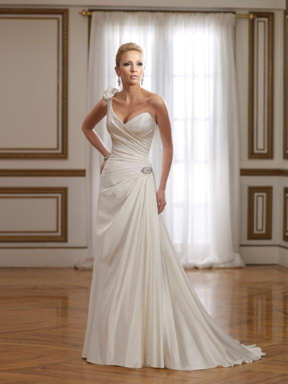 Bridal Dresses, Sophia Tolli wedding dress (ref. Y21074). The Sophia Tolli collection offers unparal