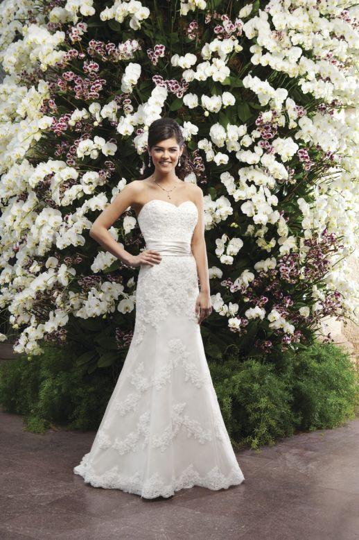 Bridal Dresses, Sincerity Bridal wedding dress (ref. 3722). Sincerity Bridal are well known for thei