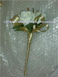 Flowers. Flower girls' wand. Wedding packages available.
