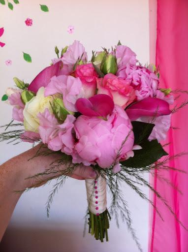 Flowers, Summer Bride bouquet. Flowers directly imported from Holland to ensure that only the freshe