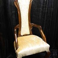 Throne Chairs, Golden throne.