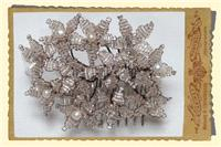 Jewellery. Large beaded daisy hair comb, in clear/silver with champagne trim with pearl and swarovsk