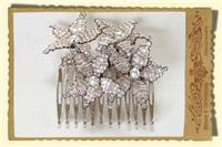 Jewellery. Beaded Daisy hair comb. Hair comb with clear and champagne beaded daisy flowers with pear