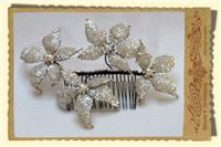 Jewellery. Large Star Flower Hair Comb, with large pearl centres in cream and trimmed in gold tones.