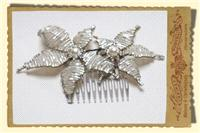 Jewellery. Small Star Flower hair comb. Vintage beaded hair comb in ivory with gold trim, and large