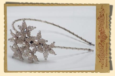Jewellery, Beaded Daisy Cluster Headpiece, vintage style daisy hairband in clear/silver with champag