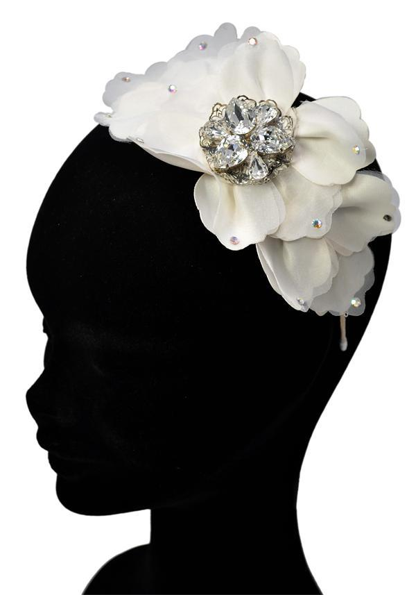 Jewellery, Ivory Petal and Silver Headband (Ref. RIDTR1318 38194115).