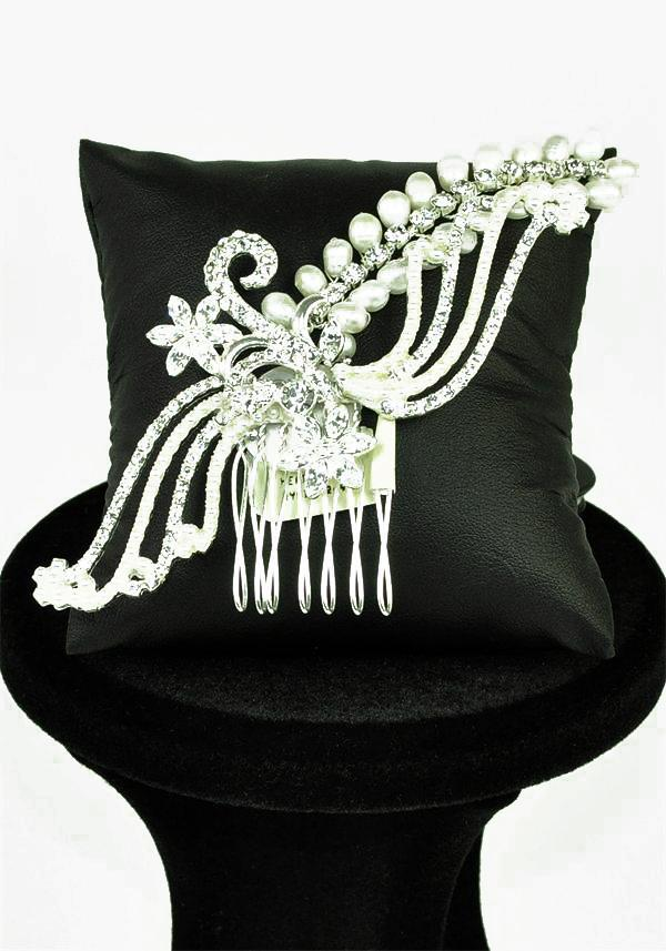 Jewellery, Elegant and simple comb with sparkly flower and spray design with a gorgeous pearl and di