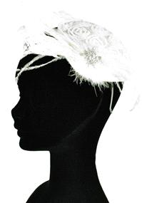 Jewellery. Feather & Brooch Headpiece (Ref. ROJ4737 38258121). Vintage style skull cap on a flexible