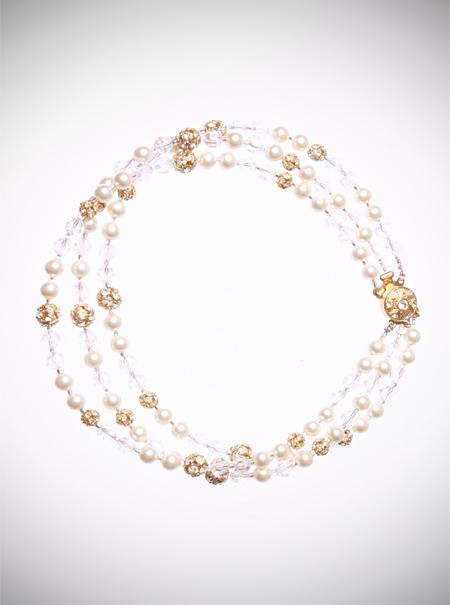 Jewellery, Pearl and Diamante Choker. A vintage inspired design, this choker is made using ivory pea
