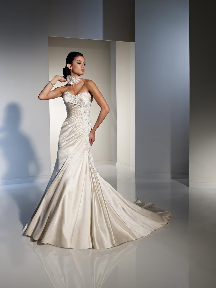Bridal Dresses, Chloe wedding dress.