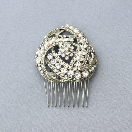 Jewellery, Deco Swirl. Art-deco inspired comb with rhinestone and pearl details.