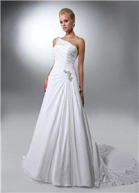 Bridal Dresses. Lady Anastasia wedding dress. Beautiful one-shoulder diamanté detail. Luxurious Pari