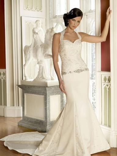 Bridal Dresses, Georgina wedding dress. Sweet heart neckline with a detachable halter neck strap and