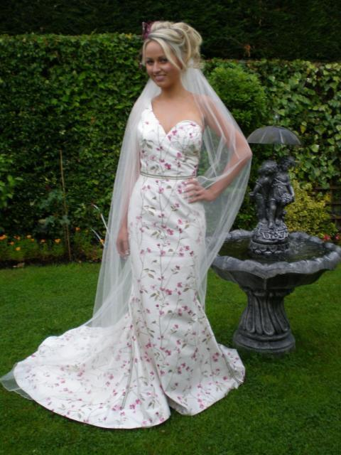 Bridal Dresses, Garnet wedding dress. All dresses are hand-crafted and made to measure for each indi
