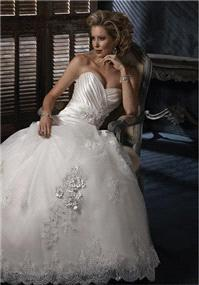 Bridal Dresses. Maggie Sottero Isadora wedding dress.