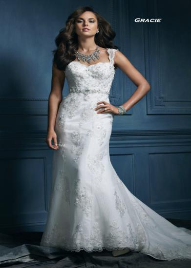 Bridal Dresses, Gracie wedding dress. Alteration service available for an additional fee.