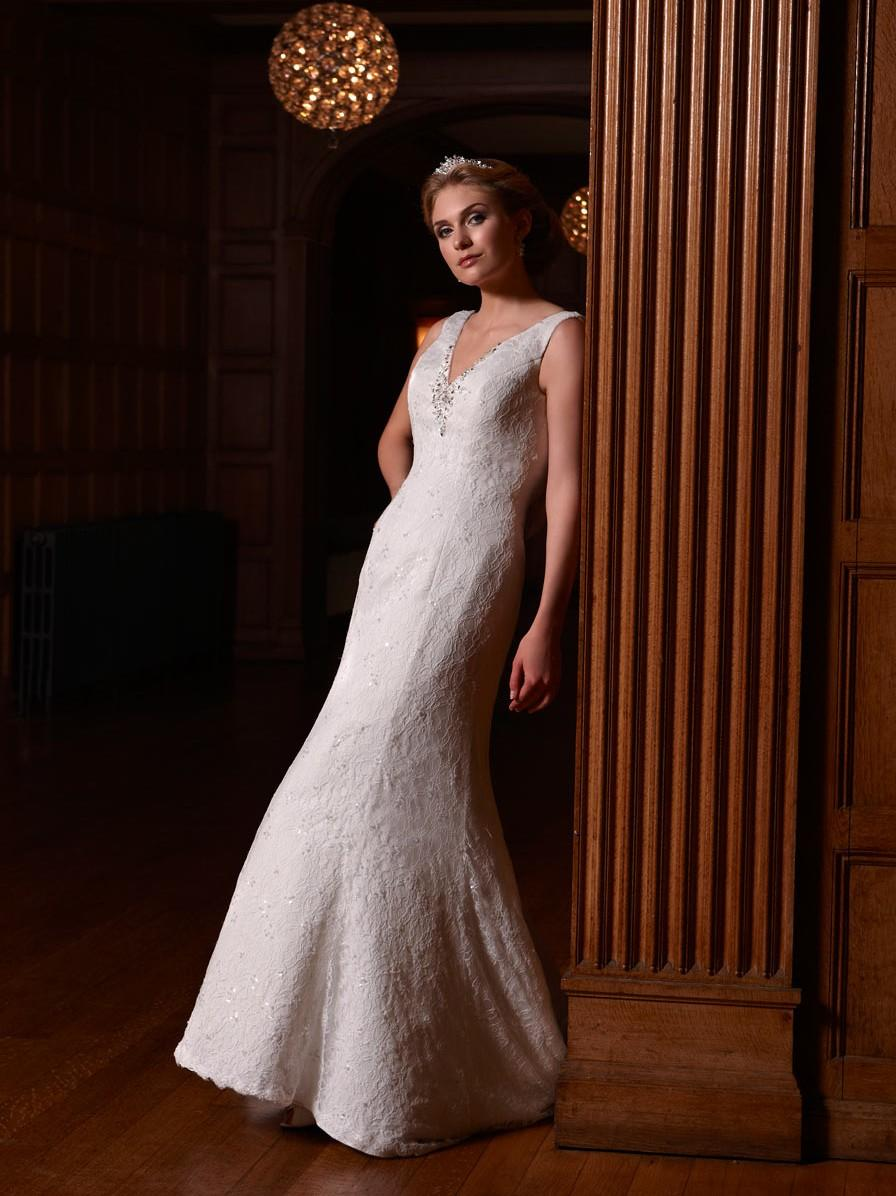 Bridal Dresses, Opulence Vicenza wedding dress (2013 collection). A classic design with draped back