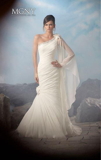 Bridal Dresses, MGNY wedding dress (Ref. 38032).