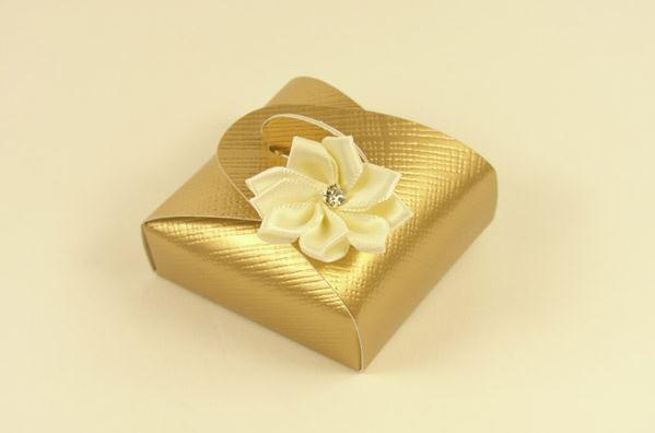 Accessories and Favours, Ivory Dahlia favour box (H:17mm, W:47mm, D:47mm) decorated with a gorgeous