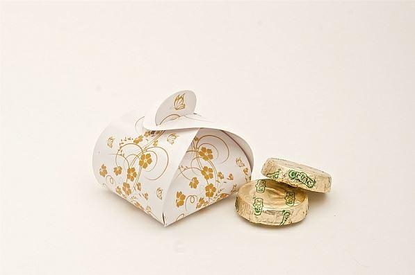 Accessories and Favours, Gold Floral favour box (H:55mm, W:50mm, L:55mm) featuring gold flowers and