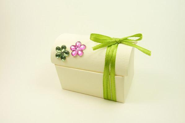 Accessories and Favours, Lime & Ivory Chest favour box (H:52mm, W:70mm, D:45mm) decorated with two f