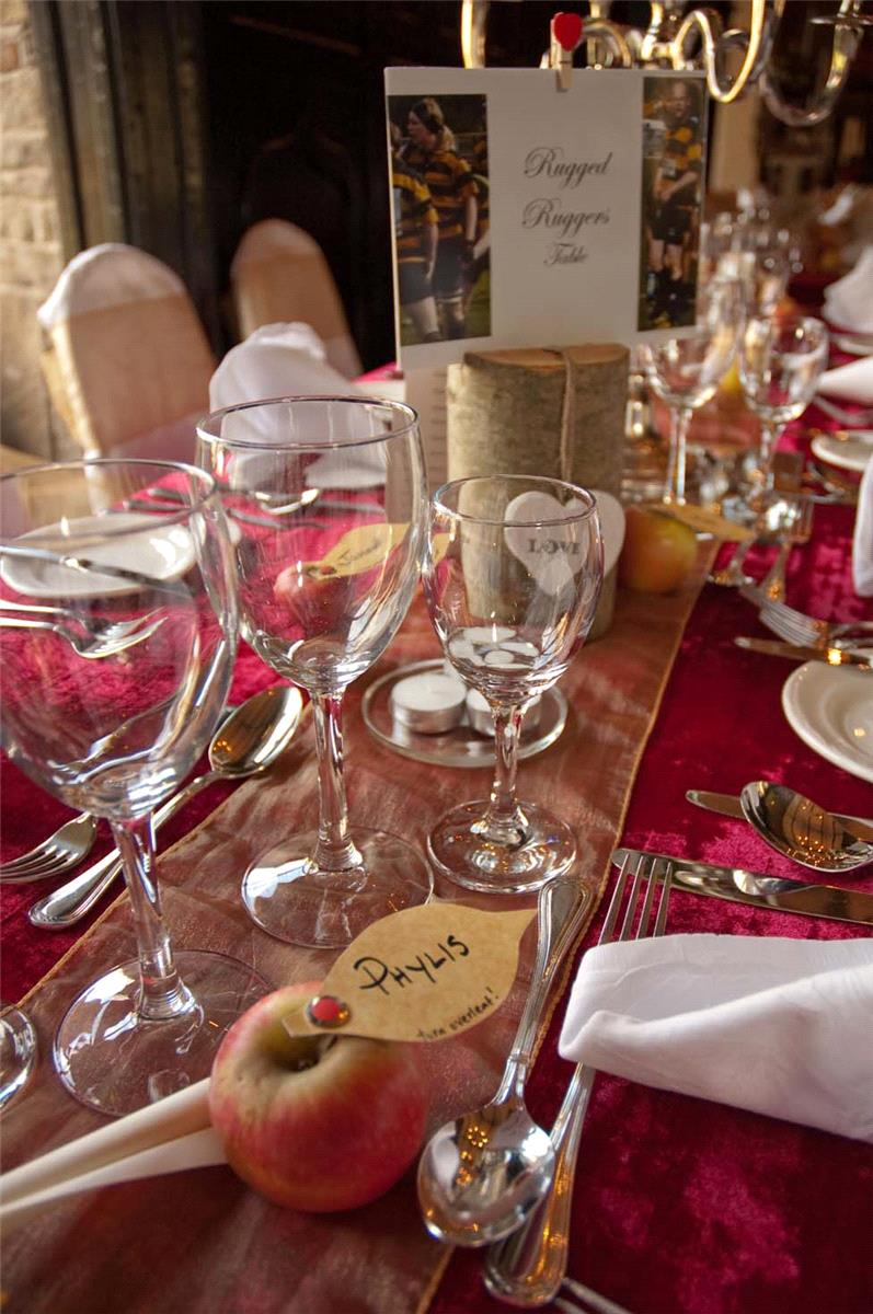 table settings and arrangements