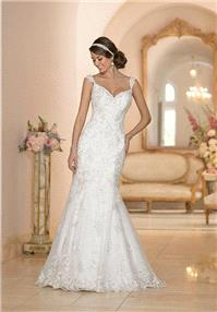 https://www.celermarry.com/stella-york/9229-stella-york-5948-wedding-dress-the-knot.html