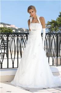 https://www.hectodress.com/ladybird/5483-ladybird-33028-ladybird-wedding-dresses-2013.html