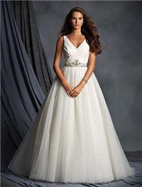 https://www.eudances.com/en/alfred-angelo/2517-alfred-angelo-2495-v-neckline-ball-gown-wedding-dress