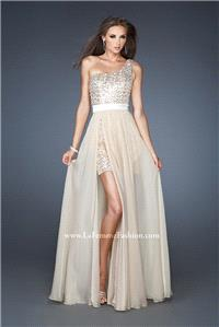 https://www.neoformal.com/en/la-femme-dresses/1759-classy-tulle-empire-long-2013-popular-one-shoulde