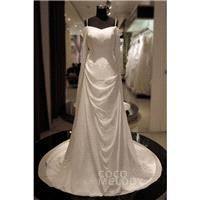 Hot Selling Spaghetti Strap  Court Train Chiffon Ivory Sleeveless Zipper Wedding Dress - Top Designe