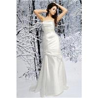 Fabulous Silk Like Satin Fit N Flare Strapless Natural Waist Brush Train Wedding Gown - Compelling W