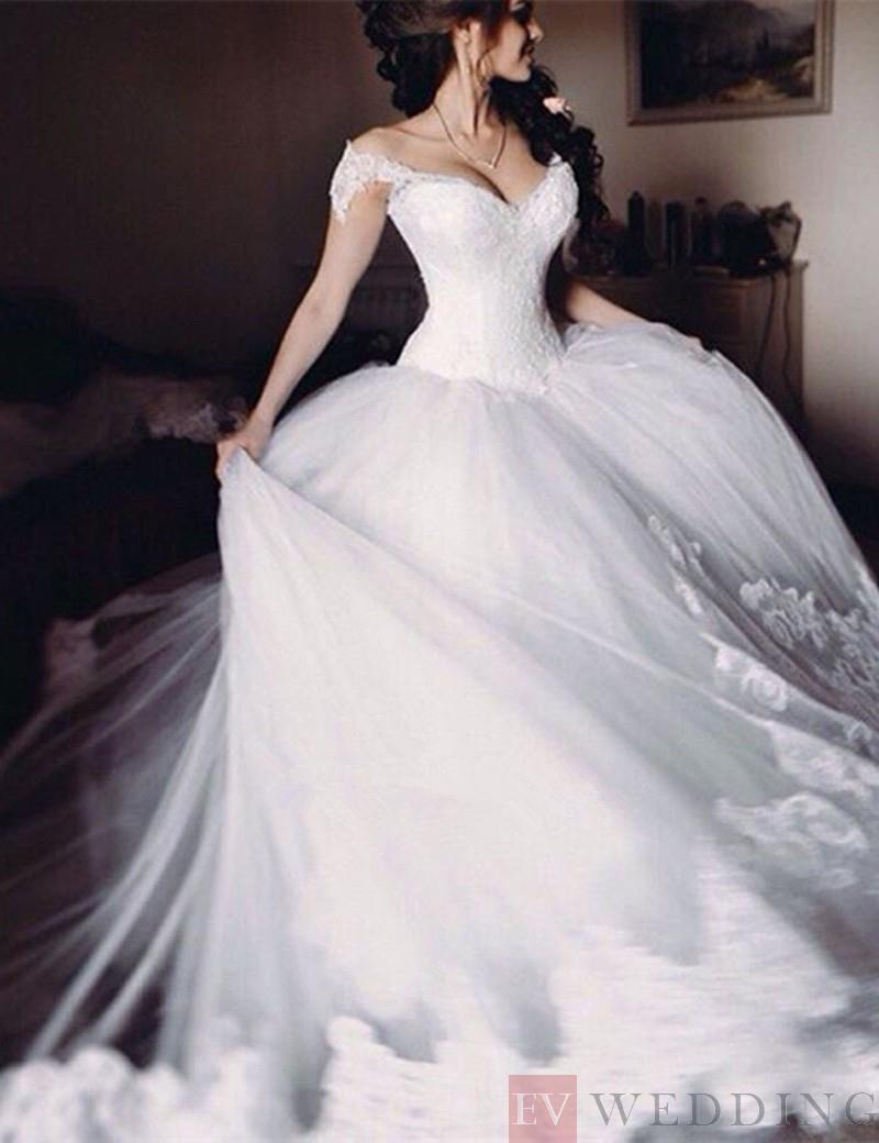 Wedding DRESSES ONLINE, Sweetheart Lace Wedding Dress With Ruffles