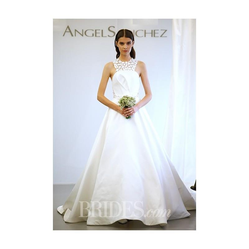 My Stuff, Angel Sanchez - Fall 2015 - Halter Neck Ball Gown Wedding Dress with Daisy Appliques - Stu