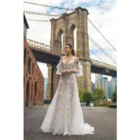 Solo Merav 2018 Sansa Tulle Hand-made Flowers White Spaghetti Straps Sleeveless Aline Chapel Train O