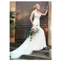 Alluring Tulle V-neck Neckline Mermaid Wedding Dresses with Beaded Embroidery - overpinks.com