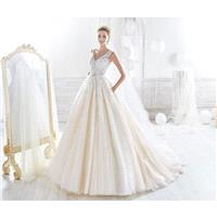 Nicole 2018 NIAB18070 Sleeveless Sweet Ball Gown Champagne V-Neck Chapel Train Appliques Covered But