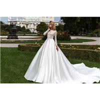 Crystal Design 2018 Dilma Royal Train White Elegant Ball Gown Bateau Long Sleeves Beading Hall Winte